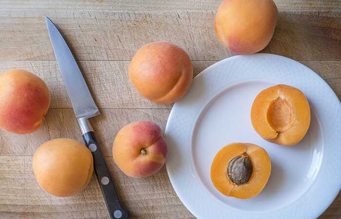 13 najlepších výhod Marhuľových semien na pokožku, vlasy a zdravie