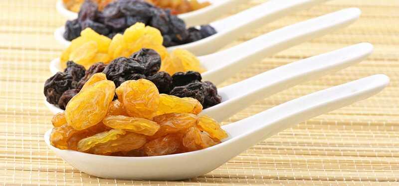 12 bedste fordele ved tør druer til hud, hår og sundhed