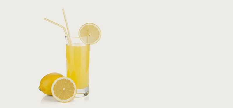 10 bedste fordele ved citronsaft til hud, hår og sundhed