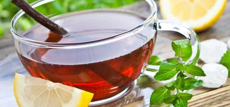 22 úžasných prínosov korenia čaju na korenie a zdravie pokožky