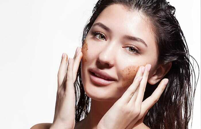14 nuostabių Multani mitti privalumų, susijusių su veido, odos ir sveikata