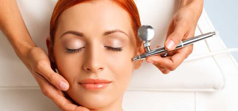 8 geweldige voordelen van zuurstofgezicht om de gloeiende huid te krijgen