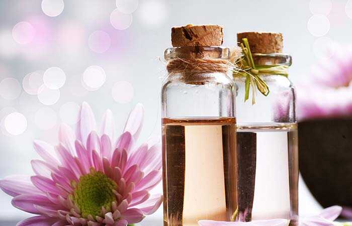 Top 14 voordelen van Sandalwood (Chandan) olie voor huid en gezondheid