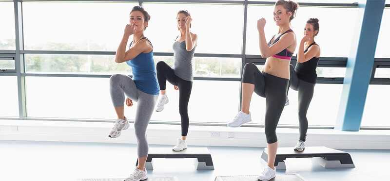 6 benefícios surpreendentes da Aeróbica de passo para perda de peso